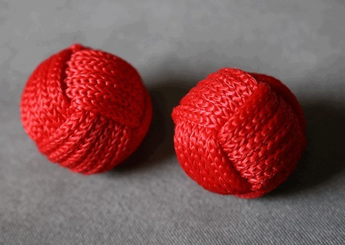 Accesories Various Monkey Fist Chop Cup Balls (1 Regular and 1 Magnetic) by Leo Smetsters TiendaMagia - 1