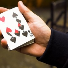 Card Tricks Weapons (Gaff Deck & Online Video) by Eric Ross TiendaMagia - 1